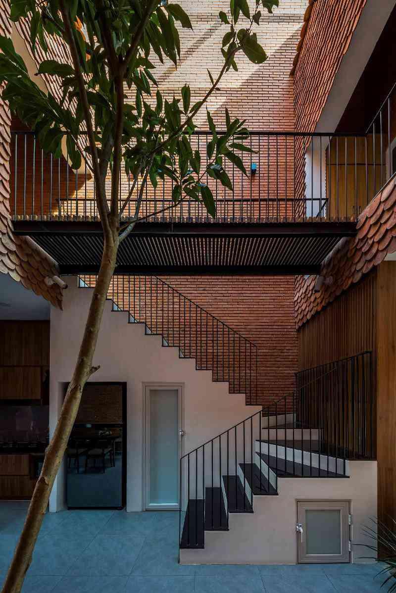 Bỏ túi 3 kinh nghiệm thiết kế cầu thang đẹp cho nhà phố - 3