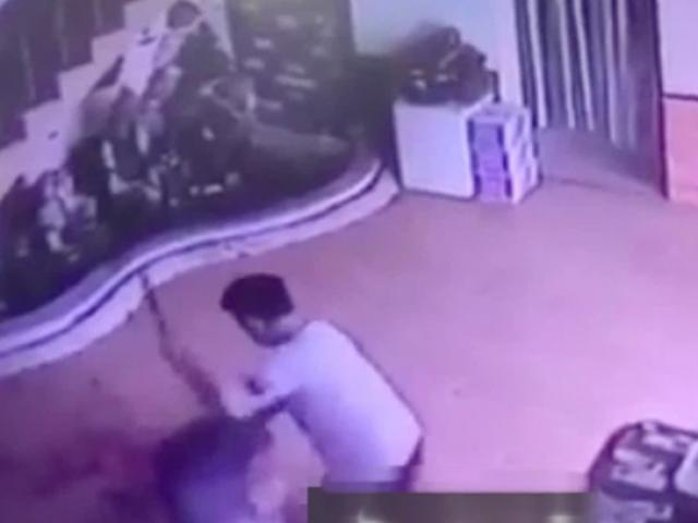 Ám ảnh clip người phụ nữ bị nhân tình chém xối xả trong nhà nghỉ ở Ninh Bình