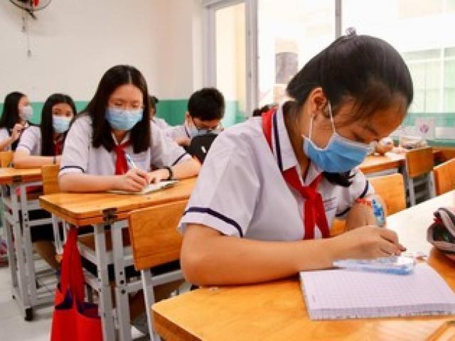 Học sinh các trường công lập ở TP. HCM được miễn học phí học kỳ I năm học 2021-2022