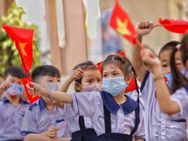 COVID-19 10/9: 3 học sinh nhiễm SARS-CoV-2, một địa phương cho học sinh nghỉ học khẩn