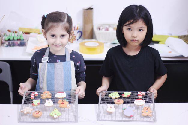 Học lỏm trên mạng, cô gái Hà Nội làm ra những chiếc bánh đẹp như tranh, người xem ngây ngất - 9