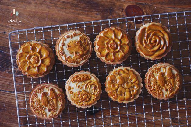 Học lỏm trên mạng, cô gái Hà Nội làm ra những chiếc bánh đẹp như tranh, người xem ngây ngất - 2