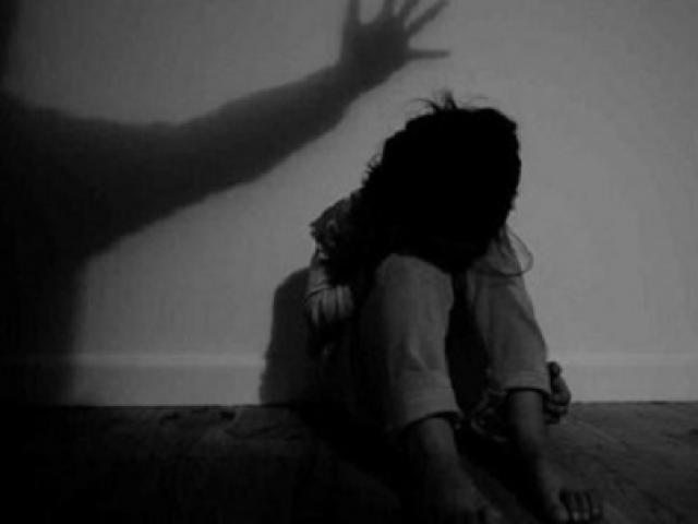 Bé gái học lớp 1 ở Hà Nội tử vong bất thường nghi có dấu hiệu bị bạo hành