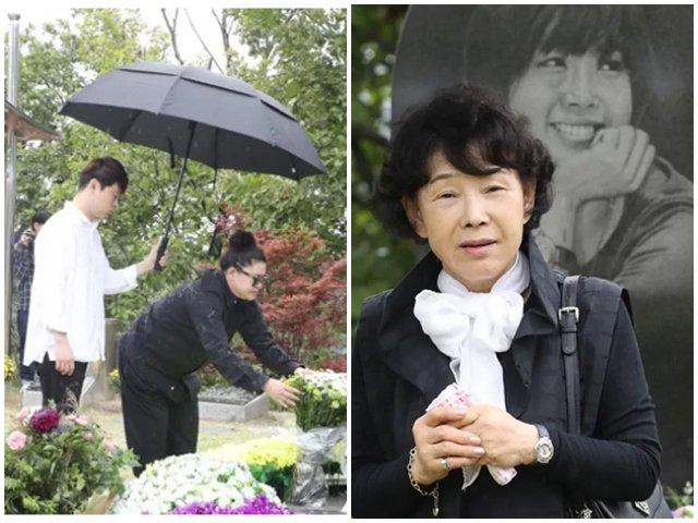 11 năm sau sự ra đi của Choi Jin Sil, mẹ đẻ và bạn bè đến viếng mộ cô