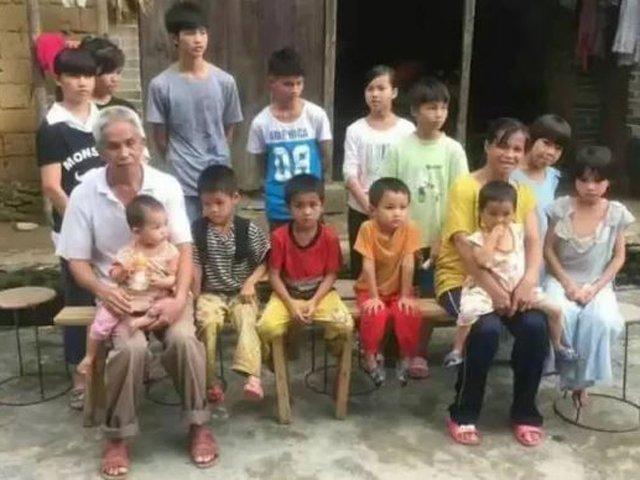 Lấy chồng hơn 20 tuổi, mẹ đẻ sòn sòn 15 con, chính phủ phải cho tiền mua bao cao su