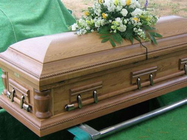 Đem thi thể con từ bệnh viện về chôn, vài ngày sau gia đình sốc khi người chết trở về