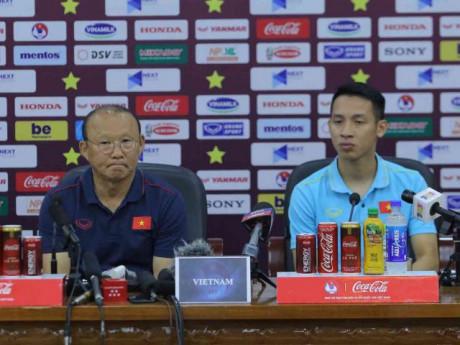 2 HLV Park Hang-seo và Tan Cheng Hoe nói gì về đối thủ trước trận Việt Nam-Malaysia?