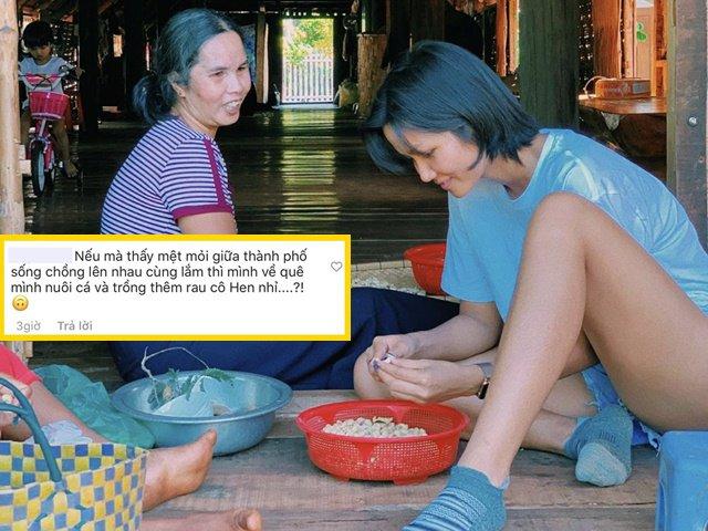 Sao Việt 24h: Hoa hậu nghèo nhất Việt Nam cặm cụi kiếm từng đồng lẻ bên mẹ