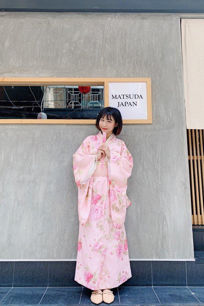 Bị tố lừa dối khán giả, Thánh nữ Kimochi lên tiếng sự thật hát dở và quá khứ đau lòng