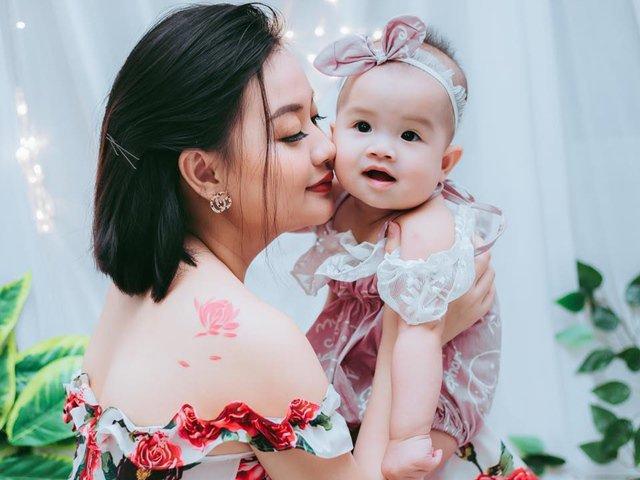 Ông bố Việt hút thuốc lá rồi ôm hôn con, bé 14 tháng nôn 7 lần/ngày, đứng không vững