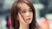 """Ngọc Trinh vô tư thử son tại Hàn Quốc, bị chê vẫn mạnh miệng """"khách hàng thì có quyền"""""""