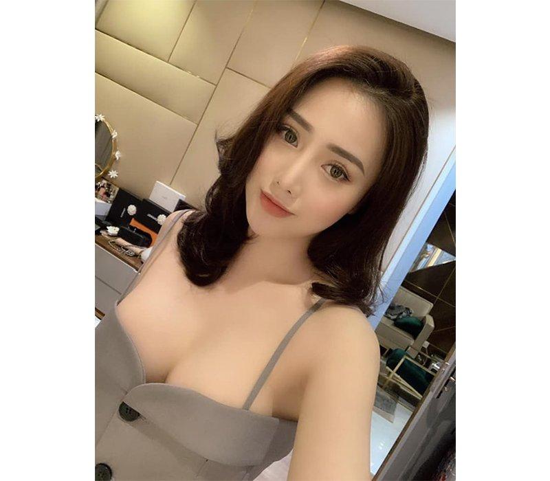 Vân Nguyễn là hotgirl luôn chiếm trọn cảm tình của dân mạng khi sở hữu gương mặt ưa nhìn cùng hình thể đáng ngưỡng mộ.