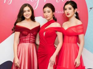 Đỗ Mỹ Linh diện váy xẻ táo bạo, đọ sắc với Á hậu Tường San và Á hậu Huyền My