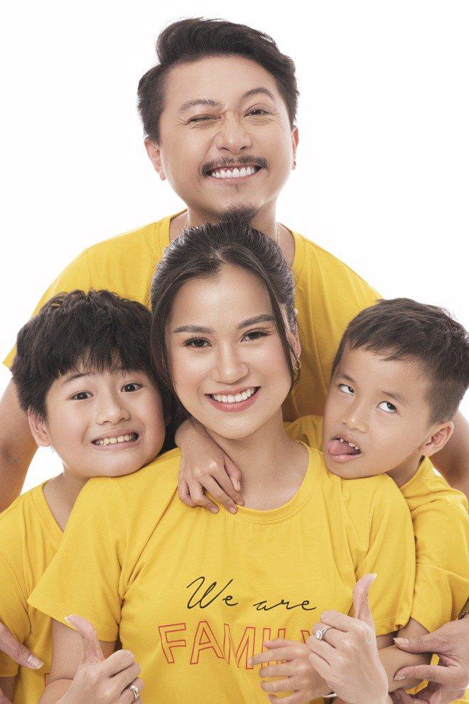Cuộc sống ít biết của vợ chồng Lâm Vỹ Dạ - Hứa Minh Đạt sau ánh hào quang