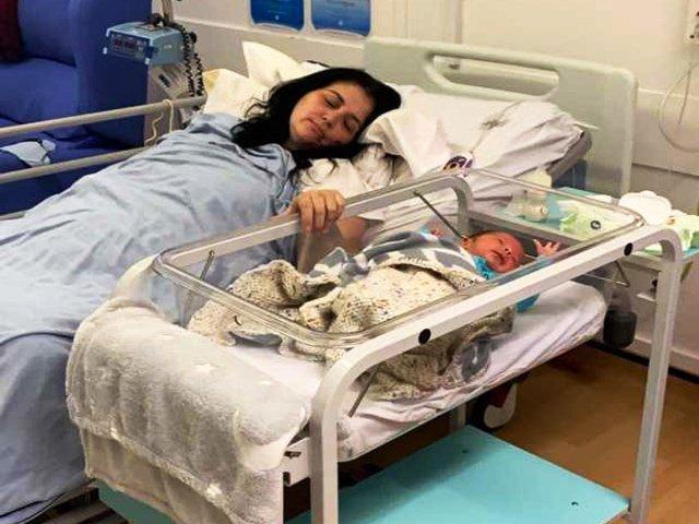 Sau sinh thấy vết mổ bốc mùi hôi, mẹ phát hiện nhiễm vi khuẩn ăn thịt người
