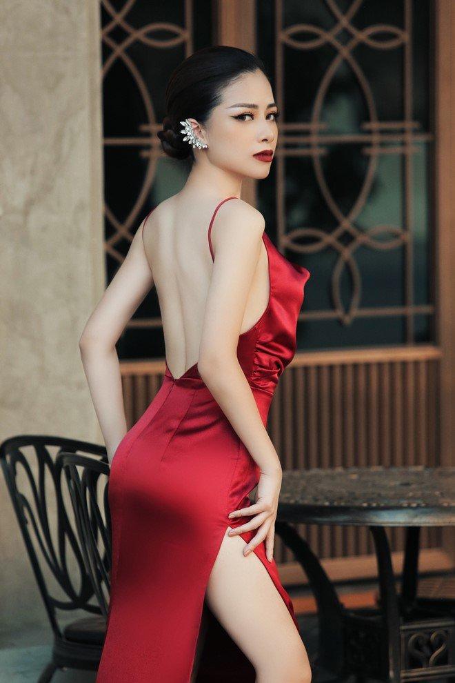 Dương Hoàng Yến hoá thân đầy gợi cảm, khoe lưng trần mừng ngày Phụ nữ
