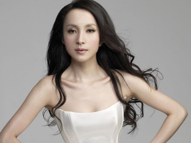 Số phận yêu nữ đẹp ma mị ngủ với hơn 10 quan bự Trung Quốc