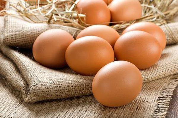 Mẹ chồng luộc trứng bỏ vào giường qua đêm, cứ tưởng bùa ai ngờ hiệu quả tức thì