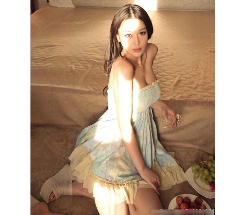 Sinh năm 1987, Trương Hinh Dư được biết tới là một trong những nữ diễn viên sở hữu diện mạo xinh đẹp cùng vóc dáng đáng ngưỡng mộ của làng giải trí Trung Hoa.