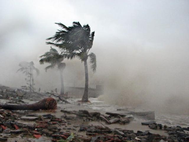 Bão số 6 siêu mạnh giật cấp 15 sắp tấn công đất liền, một bão khác lăm le xuất hiện