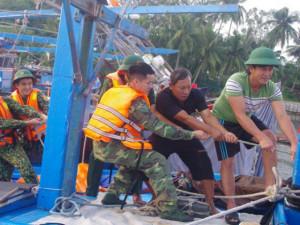 Bão số 6 sắp đổ bộ: Hối hả chống bão mạnh, di dời 150.000 người dân vùng nguy hiểm