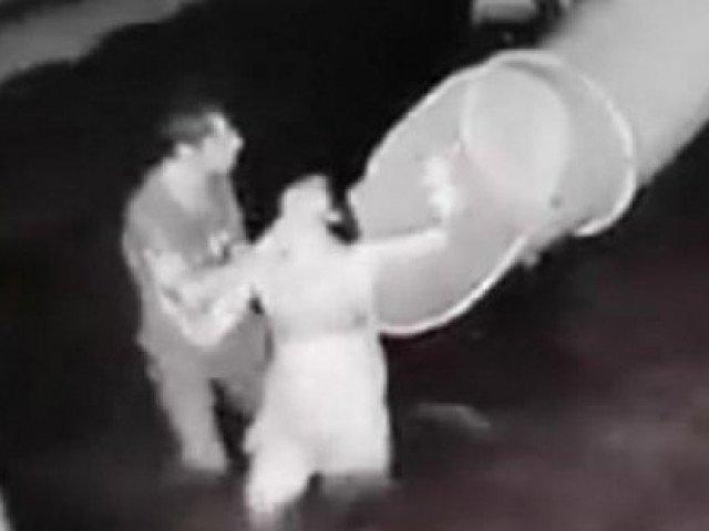 Vụ chồng đánh đập vợ từ dưới nước lên tận bờ trước mặt con nhỏ: Diễn biến mới nhất