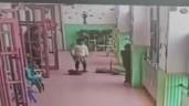 Con gái kể bị cô giáo đuổi ra hành lang, mẹ kiểm tra camera phát hiện điều kinh hoàng