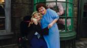 Mẹ vừa qua đời, con gái tật nguyền bỗng đi lại bình thường và bí mật cất giấu 16 năm
