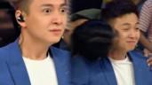 """Ngô Kiến Huy liên tục bị thí sinh nam """"cưỡng hôn"""" trên sóng truyền hình"""