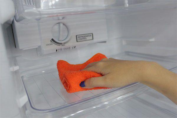 Tủ lạnh có 2 nút điều chỉnh thế này, làm đúng giảm nửa tiền điện, dùng chục năm không hỏng