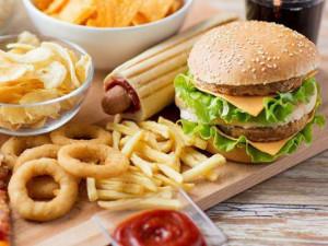 3 loại thực phẩm nhiều chất gây hại, trẻ ăn vào dễ dậy thì sớm