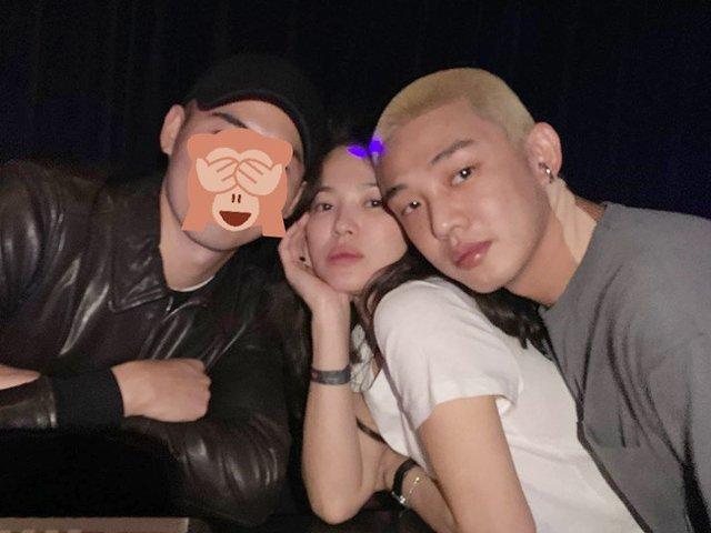 Ngôi sao 24/7: Sau khi bỏ chồng, Song Hye Kyo ngày càng táo bạo bên trai trẻ