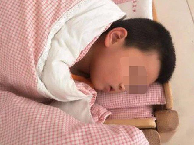 Đứa trẻ ngủ trưa và không ngủ trưa có sự khác biệt, vào tiểu học sẽ thấy rất rõ