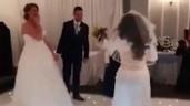 Bạn gái cũ của chú rể xông vào đám cưới đánh cô dâu, bất ngờ thái độ nhân vật chính