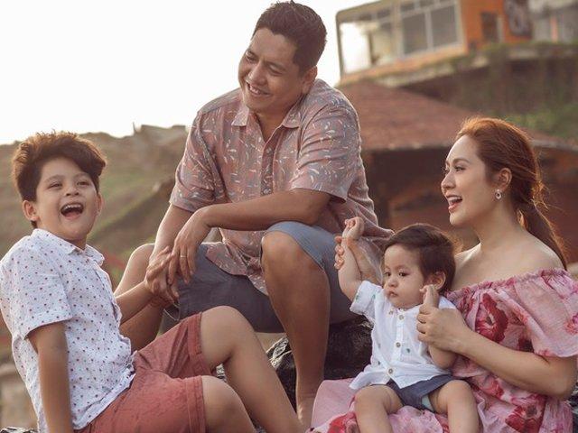 Khoe ảnh gia đình đi du lịch, con trai Thanh Thúy được khen ngợi vì nghìn biểu cảm đáng yêu