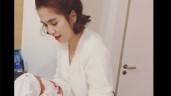 """Mỹ nhân Trà Vinh sinh con cho trai đẹp kém tuổi, Ngọc Trinh tuyên bố: """"Năm sau làm một đứa!"""""""