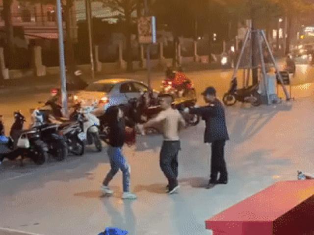 Bảo vệ đấm túi bụi người phụ nữ ở Hà Nội: Cô ấy chỉ mặt, chửi tục và đánh trước