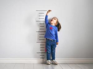 Trẻ nhỏ có nên uống thuốc tăng chiều cao không?