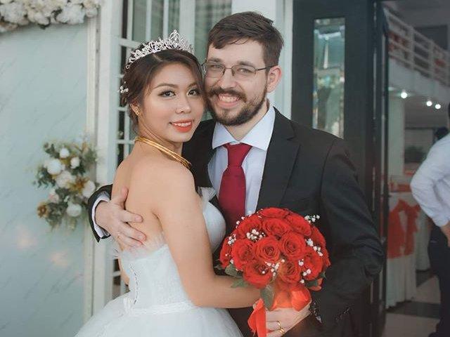 Lấy kiện tướng cờ vua nước Úc, cô gái Thái Bình khóc nức nở khi gặp mặt mẹ chồng
