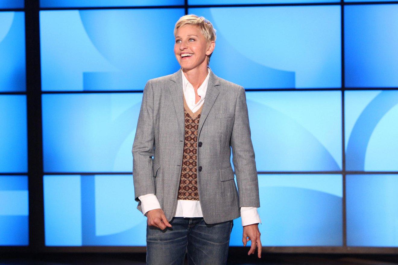 Ellen DeGeneres: Vượt qua quá khứ bị bố dượng xâm hại, trở thành MC đồng tính nổi nhất thế giới - 7