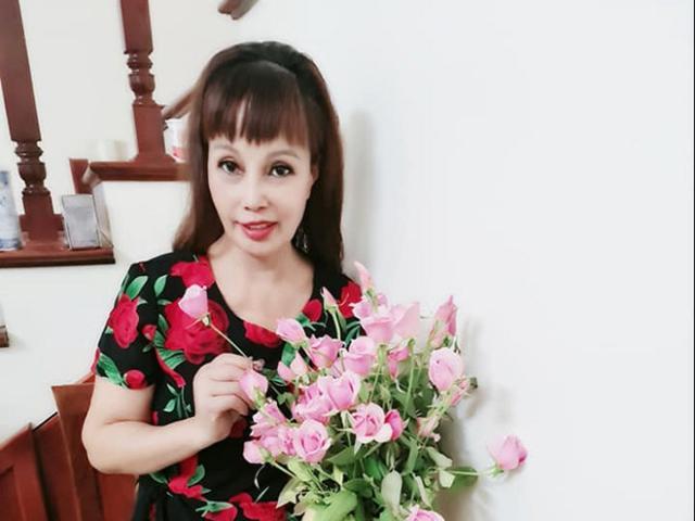 Tin tức 24h: Cô dâu Thu Sao khoe nhan sắc thật, CĐM hốt hoảng thấy điểm bất thường ở miệng
