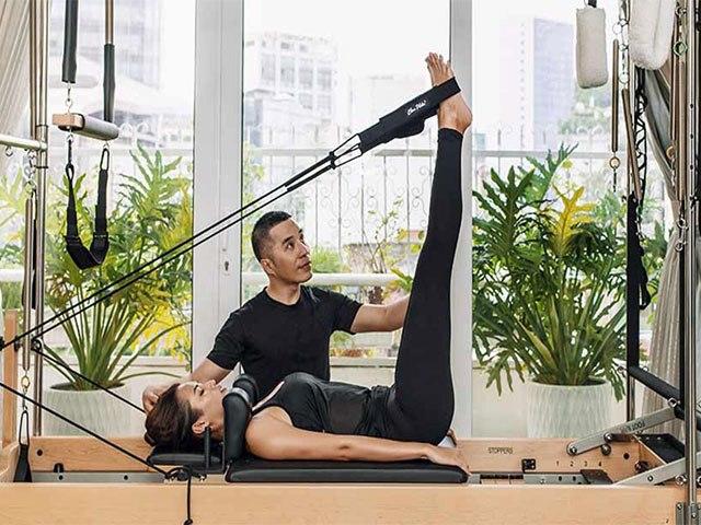 Tập luyện lơ lửng, sao giảm cân thần sầu: đu dây, múa cột có đọ lại bộ môn quốc dân?