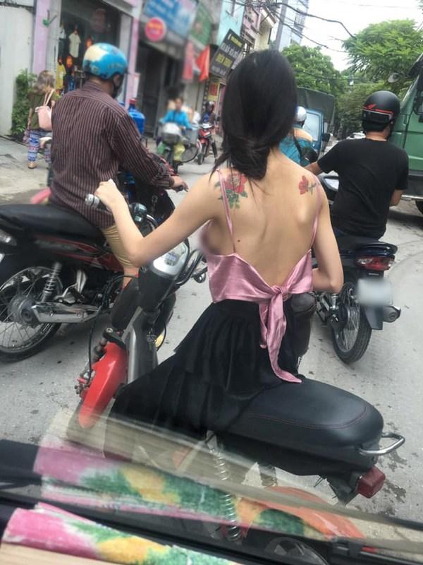 Là chuyện biết rồi nói mãi, váy áo hở lưng rộng huếch vẫn được không ít nàng diện ra phố - 6