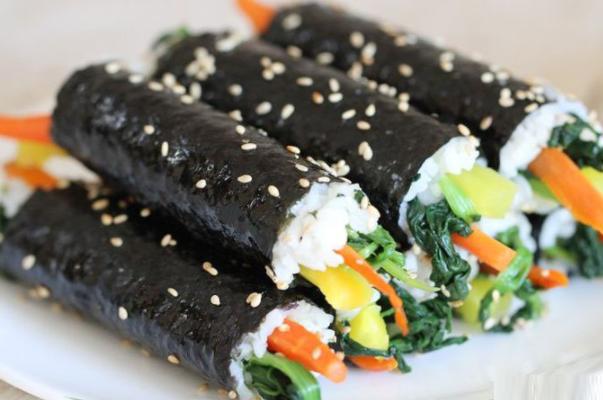 Cách làm cơm cuộn rong biển (kimbap) Hàn Quốc thơm ngon không bị khô - 6