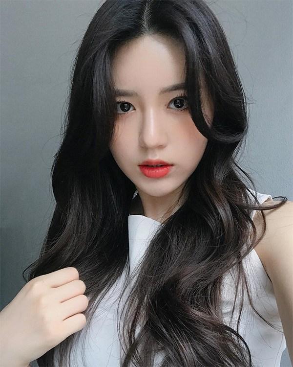 12 kiểu tóc hai mái nữ đẹp phù hợp với mọi gương mặt được yêu thích nhất