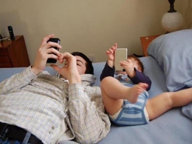 4 kiểu ông bố làm hỏng con, một mình mẹ cố nuôi dạy đến mấy cũng thành vô ích