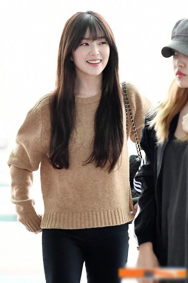 Áo len trơn màu dù đơn giản đến mấy, qua tay các mỹ nhân Hàn là hóa sành điệu - 8