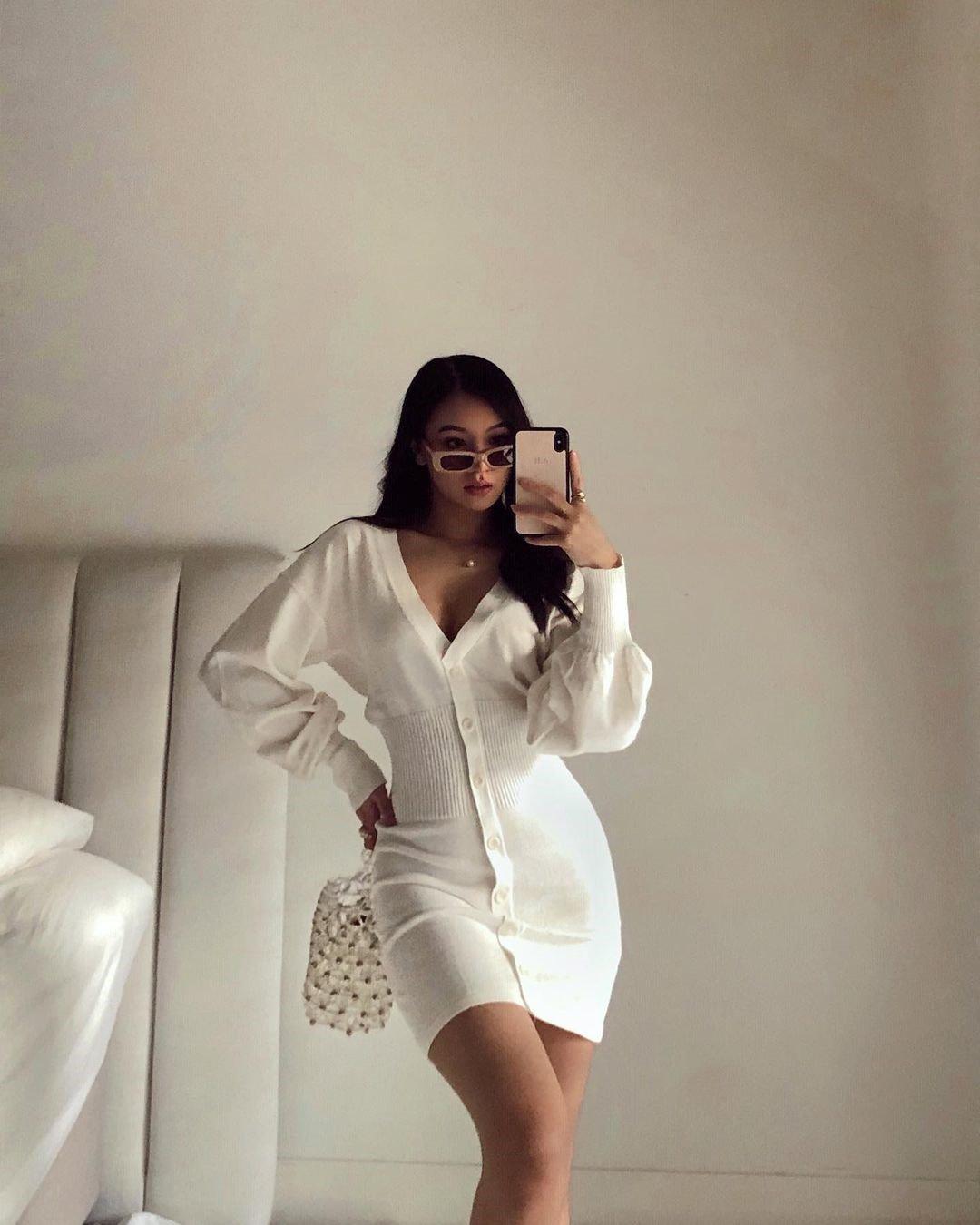 Tiên Nguyễn mặc đẹp đã đành, chị em họ của cô cũng có gout thời trang sang chảnh không kém - 12