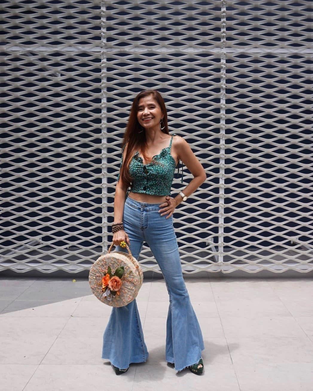 """U60 mà mặc toàn đồ """"cộp mác"""" tuổi teen, bà ngoại Thái Lan được dân tình gọi là thiếu nữ - 5"""