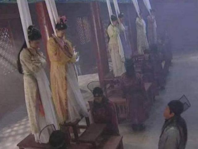 Kết cục đáng sợ của phi tần, mỹ nữ khi Hoàng đế qua đời, nghe gọi tên là run rẩy